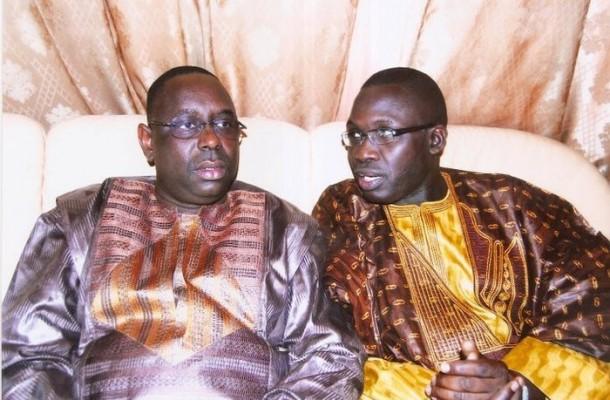 En colère après les déballages : le président Sall déchire le récépissé de « Macky 2012 »