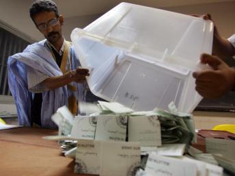 Opération de vote en Mauritanie, en 2007. AFP PHOTO/GEORGES GOBET