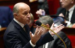 Ukraine: «Ce n'est pas un coup d'Etat. La France appelle au dialogue»