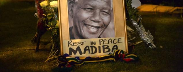 """Le monde salue le courage de Mandela, """"source d'inspiration"""" pour l'humanité"""