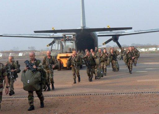 Les premiers renforts terrestres français entrent en Centrafrique