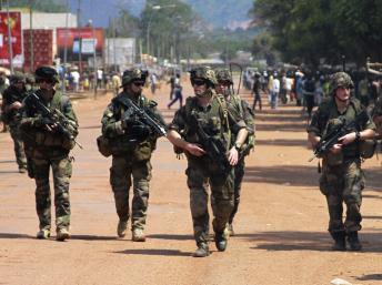 Des soldats français à Bangui, le 8 décembre 2013. REUTERS/Herve Serefio