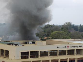 Le centre commercial Westgate à Nairobi, lors de l'attaque terroriste en septembre 2013. REUTERS/Johnson Mugo