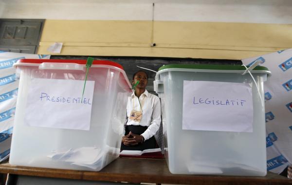 Les Malgaches sont appelés aux urnes pour un double scrutin : une présidentielle et des législatives. REUTERS/Thomas Mukoya