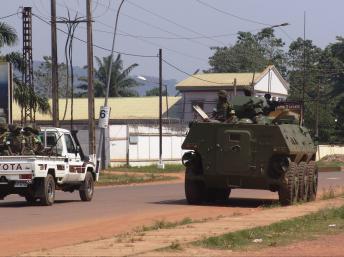 Patrouille burundaise de la Misca, le 20 décembre à Bangui. REUTERS/Alain Amontchi