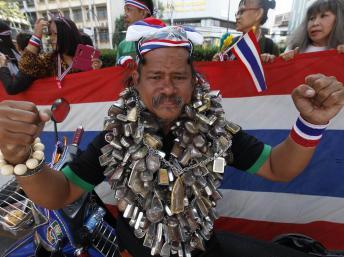 Manifestation antigouvernementale à Bangkok, le 20 décembre 2013. REUTERS/Kerek Wongsa