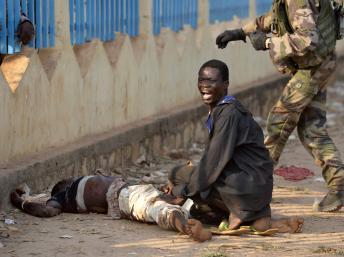 Selon un premier bilan, les tirs tchadiens auraient fait un mort et un blessé, ce lundi 23 décembre à Bangui. AFP PHOTO/MIGUEL MEDINA