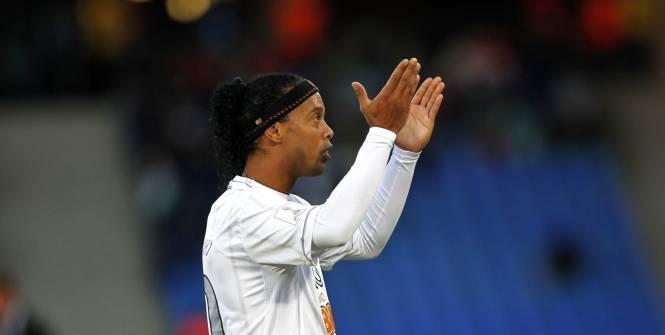 FOOT TRANSFERT Besiktas négocie avec Ronaldinho