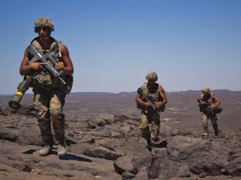 La France revoit sa stratégie militaire au Sahel