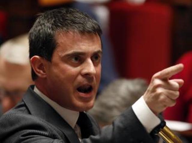 Affaire Dieudonné: Manuel Valls remporte une première victoire