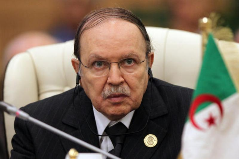 Algérie: le président Abdelaziz Bouteflika fixe l'élection présidentielle au 17 avril 2014