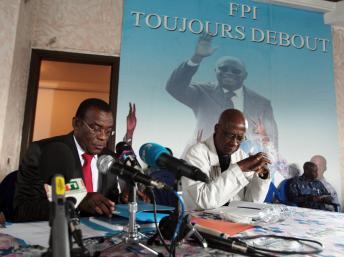 Côte d'Ivoire: le leader du FPI devant la presse proche du PDCICôte d'Ivoire: le leader du FPI devant la presse proche du PDCI