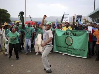 Afrique du Sud: les géants du platine en grève
