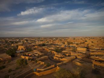 Agadez, vue depuis le minaret de la grande mosquée. Getty Images/Lonely Planet Images/Aldo Pavan