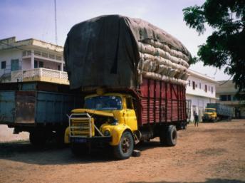 Camion de transport au Sénégal. Getty Images