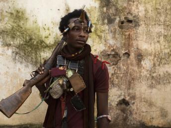 Un combattant anti-balaka à Bangui, le 14 janvier. REUTERS/Siegfried Modola