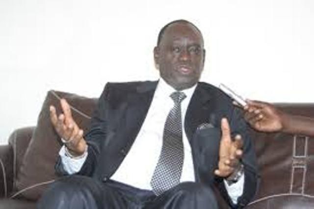 Me El Hadji Diouf crache son venin sur la réforme des institutions