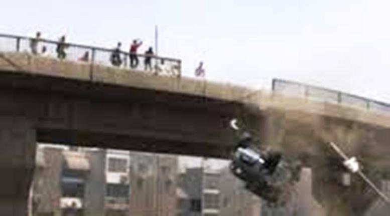 Pont Sénégal 92: Encore un camion