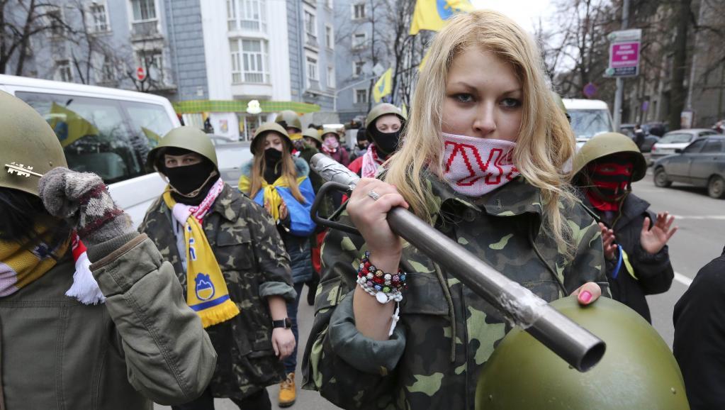 Manifestants anti-gouvernement, le 14 février à Kiev.