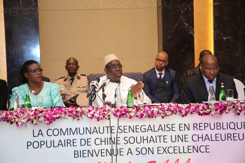"""Macky Sall fait la morale aux Sénégalais, """" nous devrions nous interroger, pour savoir.... """""""