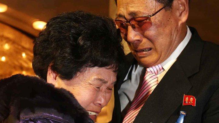 Émouvantes retrouvailles entre Nord et Sud-Coréens séparés depuis 60 ans