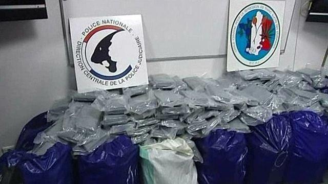 Plus d'une tonne de cocaïne saisie dans un camion du rallye Paris-Dakar débarqué au Havre