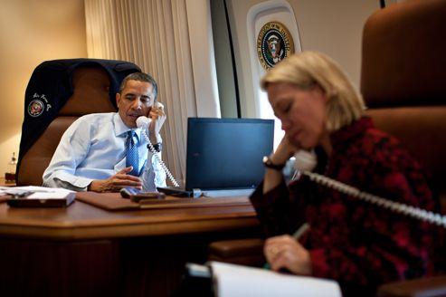 """Obama appelle Poutine à """"replier ses forces dans leurs bases de Crimée"""""""