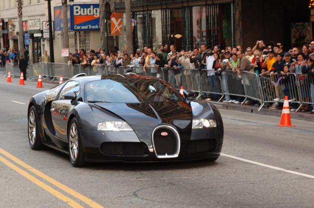 top 10 des plus belles voitures de footballeurs niang et drogba dans le lot. Black Bedroom Furniture Sets. Home Design Ideas