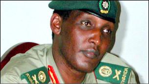 Le conflit diplomatique entre les deux pays intervient à la suite de l'attaque par des hommes armés mardi du domicile de Kayumba Nyamwasa, opposant et ex-chef d'état-major rwandais réfugié en Afrique du Sud depuis 2010 où il vivait sous la protection de Pretoria