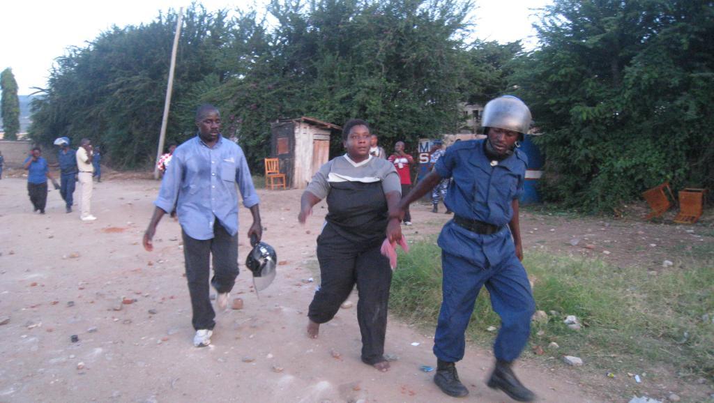 Après plusieurs heures de face à face ce samedi 8 mars, la police burundaise a finalement arrêté plusieurs opposants du MSD.