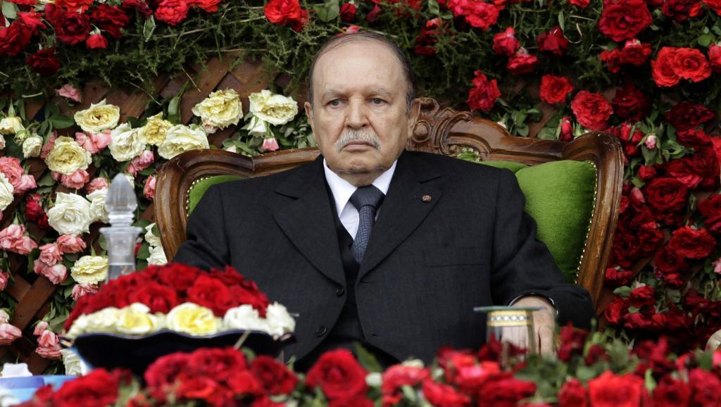 Abdelaziz Bouteflika, en juin 2012, lors d'une cérémonie dans une école militaire.