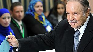 La candidature d'Abdelaziz Bouteflika déchaîne les foudres de ses opposants.