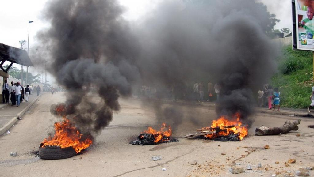 Mardi après-midi, un calme précaire régnait dans le campus. Etudiants et enseignants ont rapidement vidé les lieux dès que les gendarmes surchauffés ont desserré l'étau. Reportage à Libreville