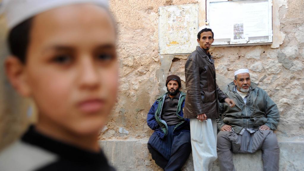 Des Algériens appartenant à la communauté mozabites à Ghardaïa, 27 janvier 2014. Dans cette ville, les violences entre communautés font régulièrement des victimes.