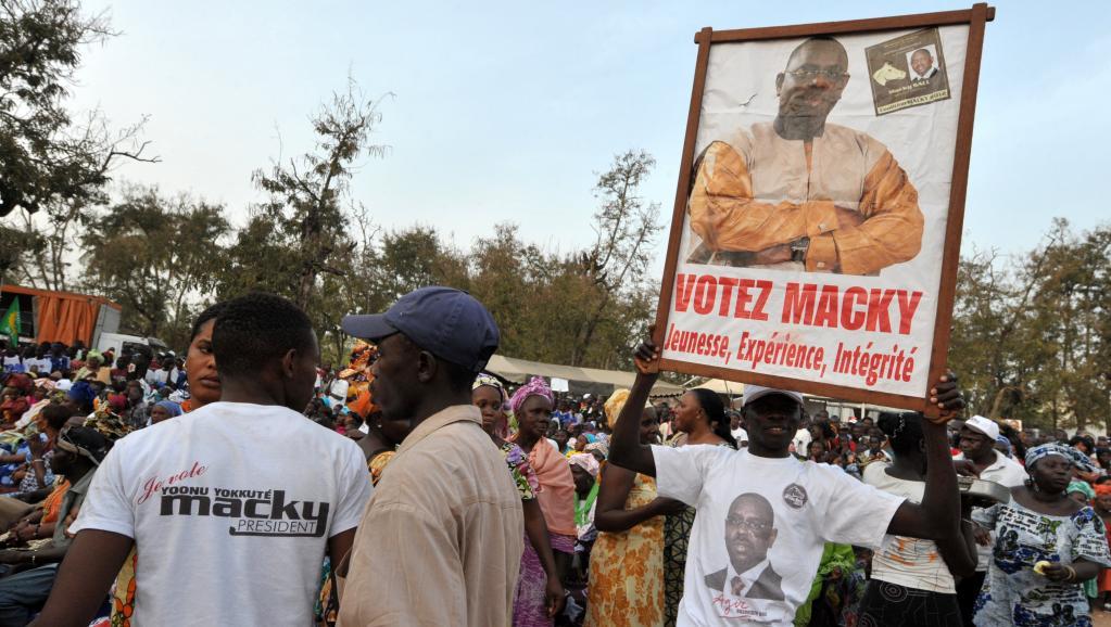 Des partisans de Macky Sall, lors de la campagne présidentielle, à Ziguinchor, le 17 mars 2012. Dans ses promesses, le candidat Macky Sall s'était engagé à résoudre le conflit vieux de 30 ans, qui sévit en Casamance.