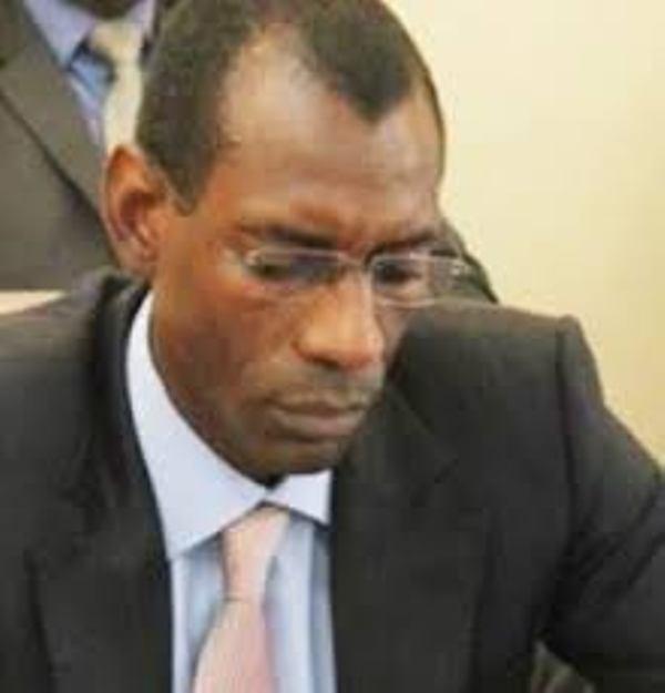 En vue du sommet de la Francophonie de novembre 2014, la France pare le Sénégal contre les terroristes
