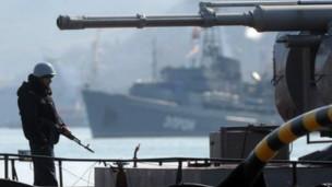 Les forces pro-russes ont, semble-t-il, franchi la limite faisant passer le conflit dans un contexte militaire.