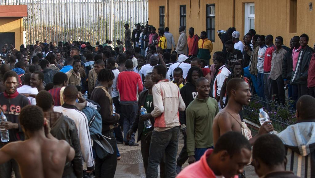 Des centaines de migrants ont réussi à rejoindre l'enclave espagnole de Melilla au cours de la nuit de ce mardi 18 mars 2014.