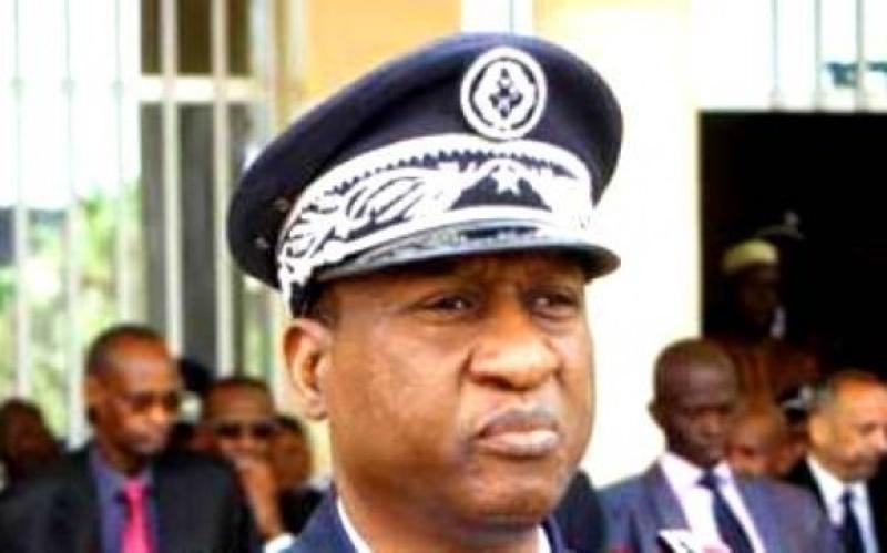 Abdoulaye Niang vers la réhabilitation ? L'ancien DGPN aperçu dans la salle d'attente d'Abdoulaye Daouda Diallo