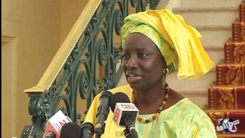 """""""ça a été dit, c'est fait"""": outré par la déclaration d'Aminata Touré, """"Tout va mal""""  annonce 50.000 signatures pour dire """"plus jamais"""""""