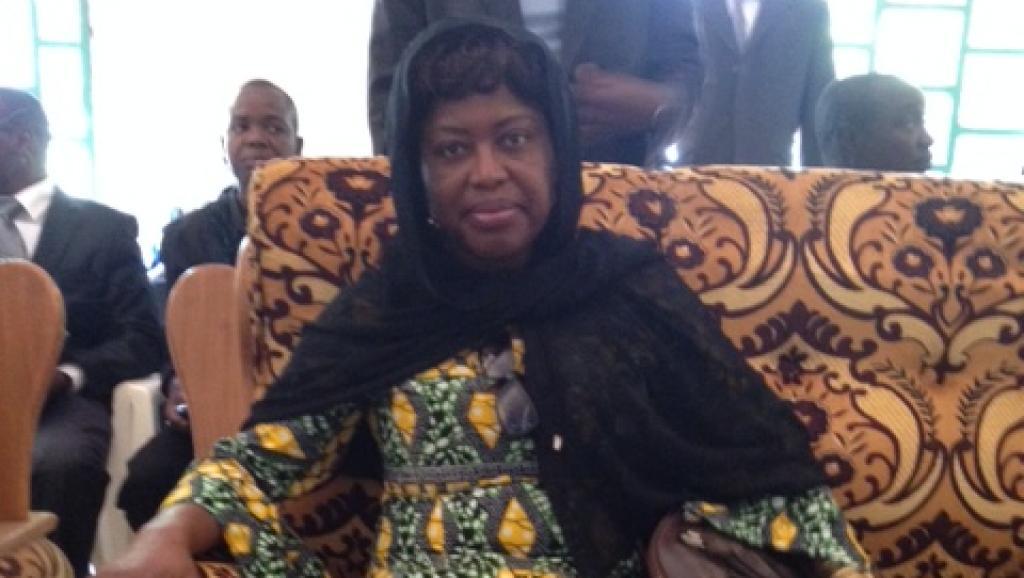Antoinette Montaigne, ministre de la Communication et de la Réconciliation en Centrafrique. Elle s'est rendue à la grande mosquee ce vendredi pour une priere en compagnie des musulmans. RFI/Olivier Rogez
