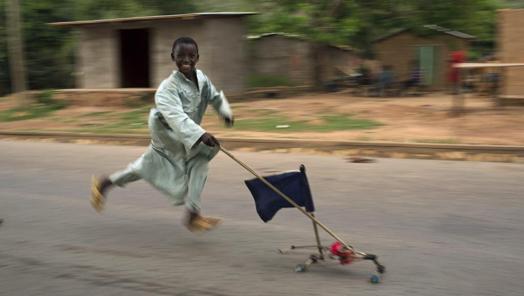 Un enfant dans une rue de Bangui, le 12 mars dernier. REUTERS/Siegfried Modola