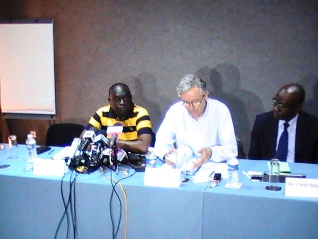 Affaire Habré: Menacé par le Procureur général des CAE, Me El Hadji Diouf traite Mbacké Fall de fou et dézingue la RADDHO et Amnesty…