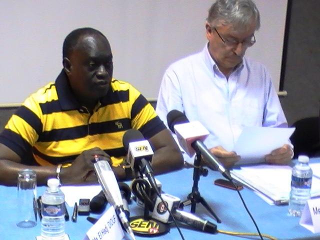 """Comment Me El Hadji Diouf débusque un """"espion des CAE"""" à la conférence des avocats d'Hisséne Habré ?"""