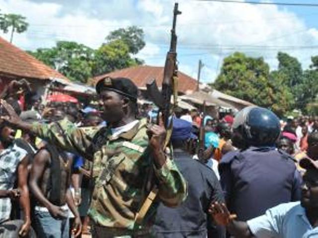 L'attitude de l'armée bissau guinéenne demeure une inconnue pour l'avenir du pays. AFP PHOTO/STG