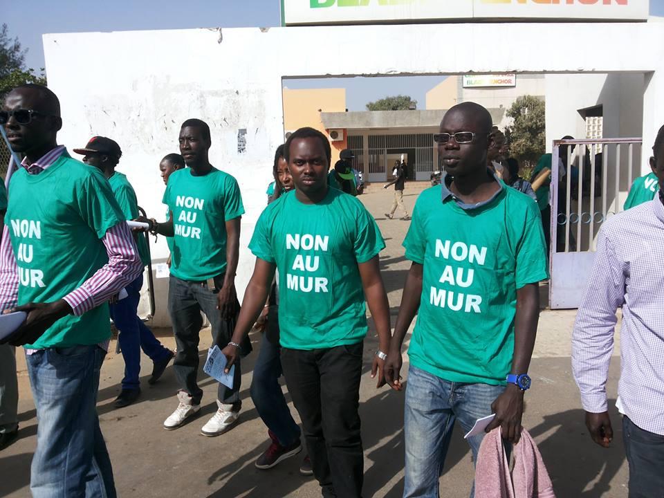 « Mur de la honte »-le collectif recule pour mieux sauter : « Nous prenons acte de la décision préfectorale mais déterminés nous resterons »