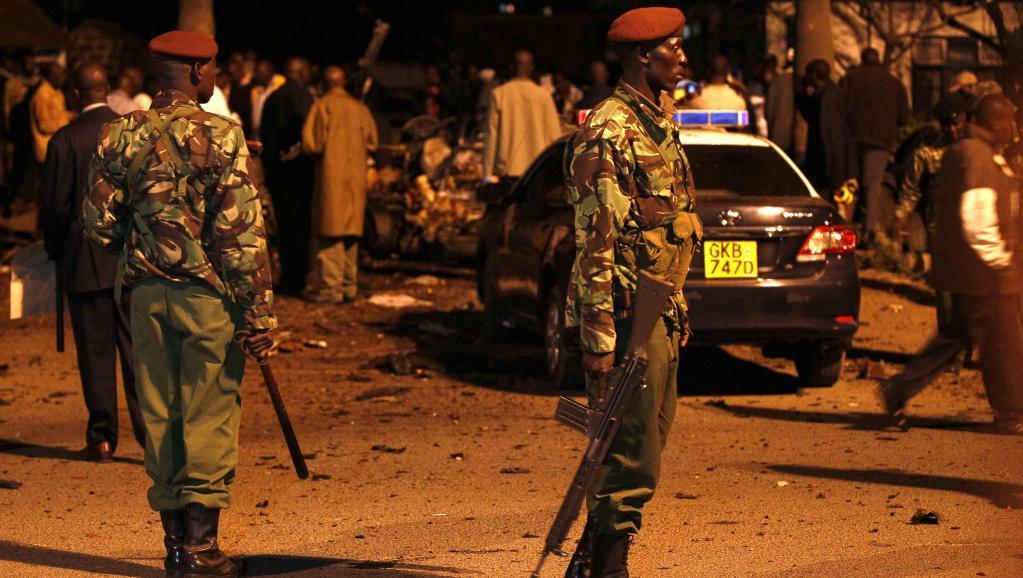 La police kényane sécurise les lieux de l'attentat, mercredi 23 avril. REUTERS/Thomas Mukoya