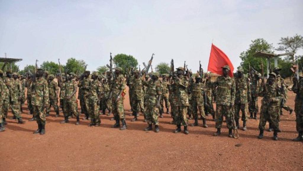 Les soldats de l'armée sud-soudanaise (SPLA) dans une base près de Bentiu, le 23 avril 2012. AFP PHOTO / Hannah McNeish