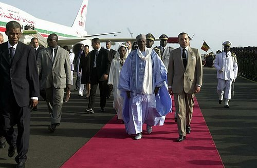 Wade gâté à Casablanca: suite à l'hôtel Hyaatt, voiture de luxe, sécurité marocaine, visite du consul du Sénégal