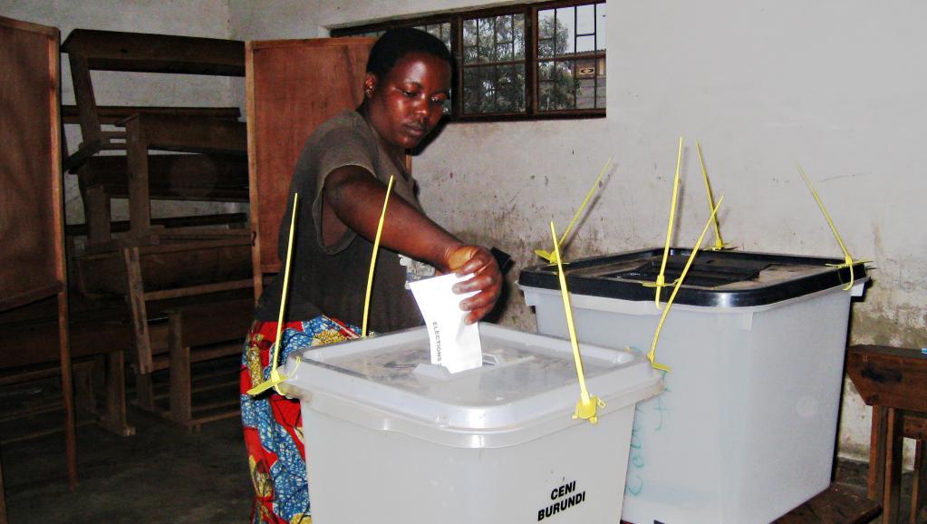Opération de vote au Burundi. AFP PHOTO/Esdras NDIKUMANA
